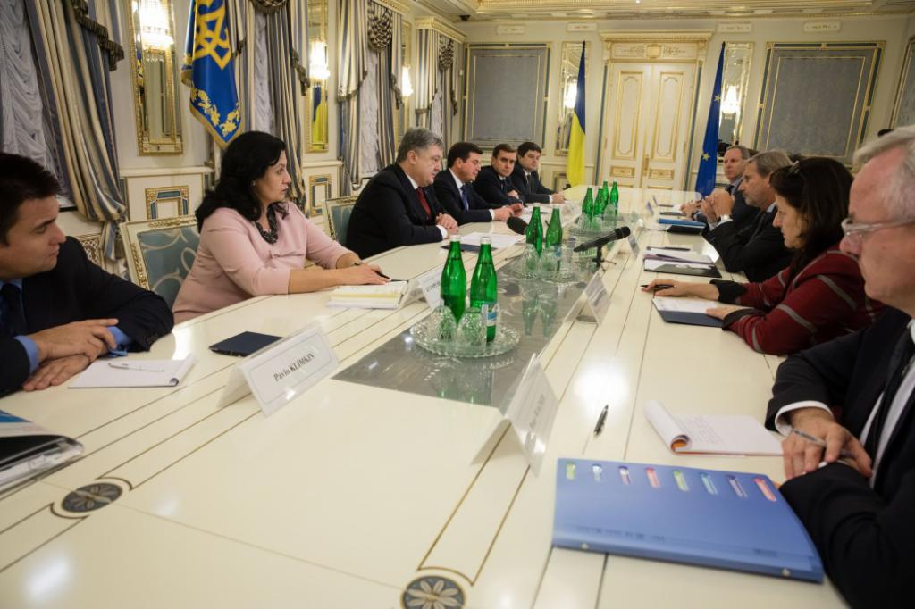 УЕврокомиссии завершается терпение из-за коррупции вгосударстве Украина
