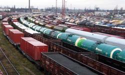 """Правительство настаивает на повышении стоимости перевозки грузов """"Укрзализныцей"""""""