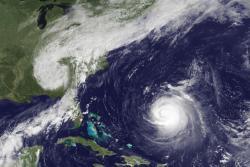 """Побережью США угрожает новый тропический шторм - """"Катя"""""""
