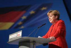 Меркель назвала условие для отмены санкций против России