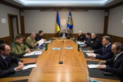Президент созвал внеочередное заседание Военного кабинета