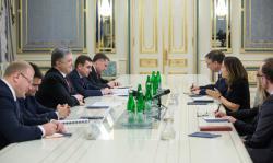 Президент Украины провел встречу с министром иностранных дел Канады
