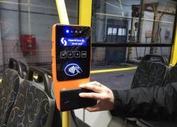 В Киеве появились автоматы для бесконтактной оплаты проезда в транспорте