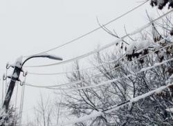 Из-за непогоды в Украине без электроснабжения остались 152 населенных пункта