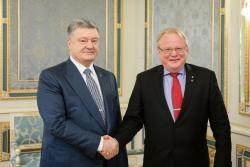 Президент Украины провел встречу с Министром обороны Швеции