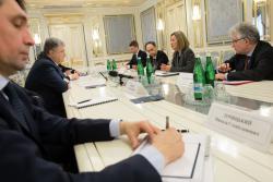 Президент Украины и Вице-президент Еврокомиссии обсудили детали развертывания миротворческой миссии ООН в Донбассе
