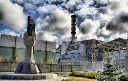 Сегодня в Украине чтят память жертв и пострадавших в катастрофе на ЧАЭС