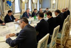 Президент Украины встретился с послами стран Большой семерки и ЕС
