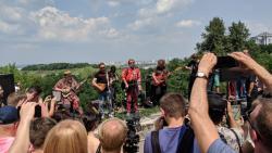 В столице на пейзажной аллее Борис Гребенщиков дал бесплатный концерт