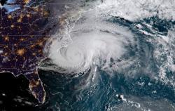 """Ураган """"Флоренс"""" достиг берегов США"""