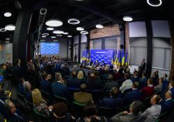 Президент в Ивано-Франковске встретился с представителями деловых кругов