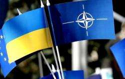 Петр Порошенко анонсировал подписание изменений в Конституцию о курсе на ЕС и НАТО