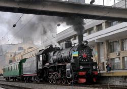 В Харькове запустили ретропоезд по случаю Дня победы