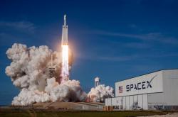 Ракета SpaceX доставит на орбиту прах 152 человек