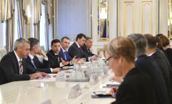 """Президент Украины встретился с послами стран """"Большой семерки"""" и главами представительств ЕС и НАТО"""