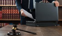 Об адвокатской монополии