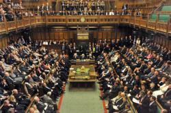 Почему Парламент Великобритании приостановил работу