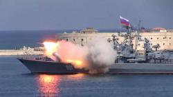 Россия начала в Черном море военные учения, задействовав корабли и истребители