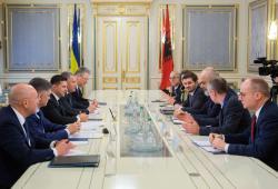 Президент Украины обсудил с председателем ОБСЕ расширение мандата мониторинговой миссии на Донбассе