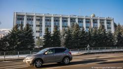 Подозреваемые в шпионаже российские дипломаты покинули Болгарию