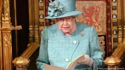 """Королева Великобритании подписала закон о """"Брекзите"""""""