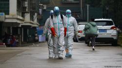 В Китае число заболевших пневмонией нового типа превысило 2700 человек