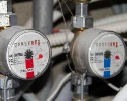 АМКУ рекомендует поставщикам тепла снизить цены на отопление и горячую воду для населения