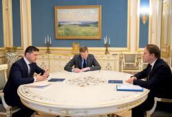 Президент Украины провел встречу с Европейским комиссаром по вопросам соседства и расширения