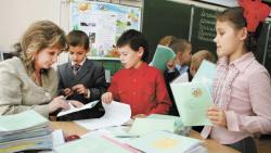 В Беларуси увеличат разницу между надбавками учителей за категорию