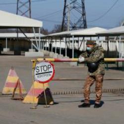 Боевики не пропускают на оккупированную территорию Донбасса местных жителей и наблюдателей миссии ОБСЕ