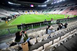 Чемпионат Италии по футболу остановлен из-за коронавируса