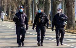 Полиция начала контроль самоизоляции украинце