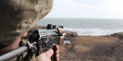 Боевики на Донбассе дважды обстреляли украинских военных