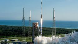 Китай запустил первый грузовой космический корабль