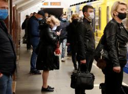 Киевский метрополитен расширил список станций, которые закрывают на вход