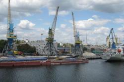 В Херсоне передали в концессию первый морской порт Украины