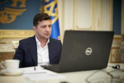 """Зеленский пообещал """"дожать"""" госбанки для ипотеки под 10%"""