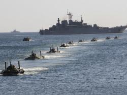 Корабли Северного флота провели стрельбы в Баренцевом море