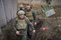 Зеленский посетил позиции на переднем крае обороны украинских войск на Донбассе
