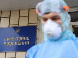 В Киеве за прошедшие сутки 453 новых случая COVID-19